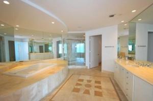 Portofino 3105 Master Bathroom